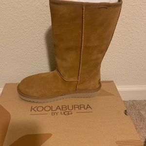 Shoes - KoolaBurra by UGG